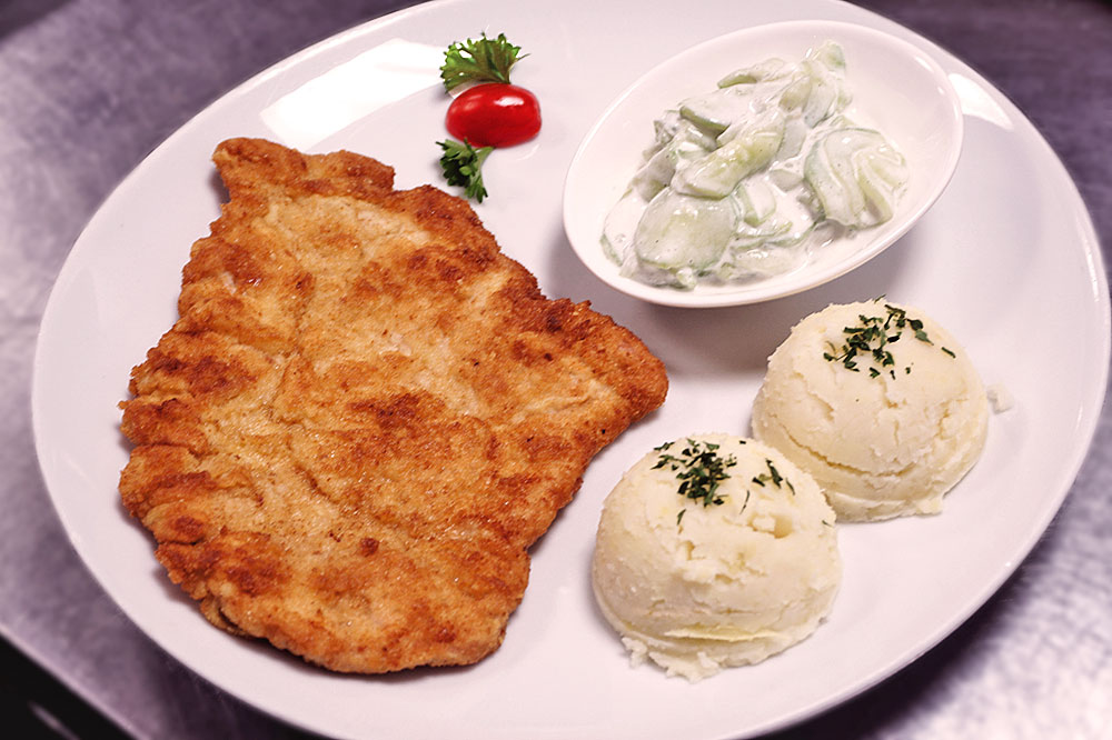 picture of pork cutlet with mashed potatoes