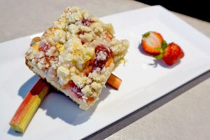 image of rhubarb cake