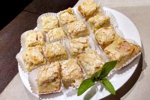 photo of rhubarb mini cakes